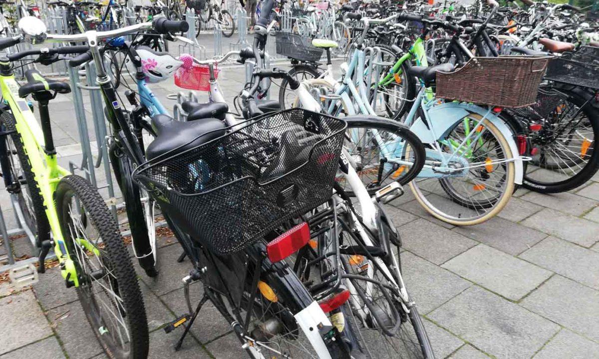 Chaos auf dem Fahrradparkplatz